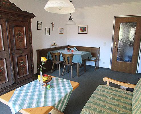 Ferienwohnungen Maria, 83700 Rottach-Egern, Wohnbereich FeWo Riederstein