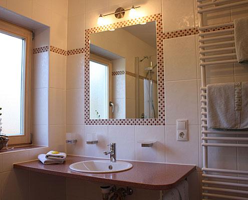 Ferienwohnungen Maria-Badezimmer in der Ferienwohnung Riederstein