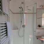 Ferienwohnungen Maria, 83700 Rottach-Egern - Badezimmer FeWo Wallberg
