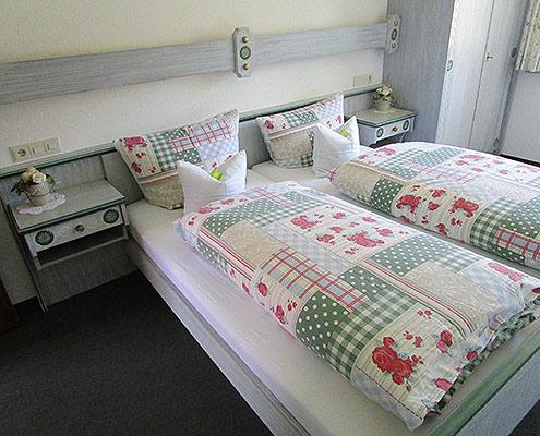 Ferienwohnungen Maria, 83700 Rottach-Egern, Schlafen in der FeWo Setzberg