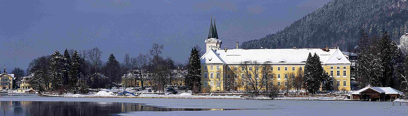 Urlaub am Tegernsee - Winteransicht Kloster